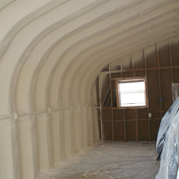 Spray foam in metal buildings